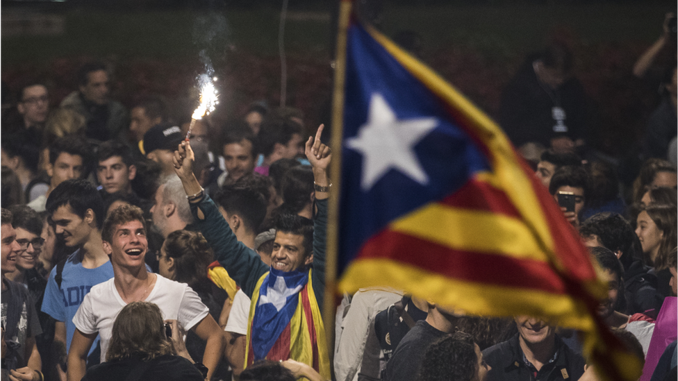 Crowds gather to await the result of the Independence Referendum at the Placa de Catalunya on October 1, 2017