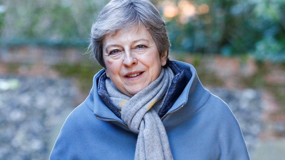 Brexit: Theresa May to formally ask for delay