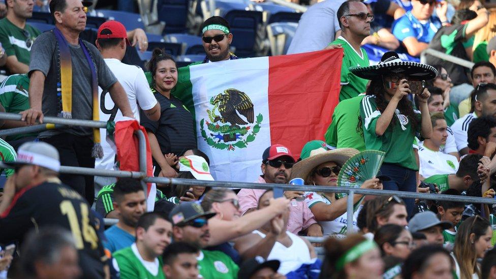 La afición mexicana suele abarrotar todos los campos en los que juega el Tri en Estados Unidos.