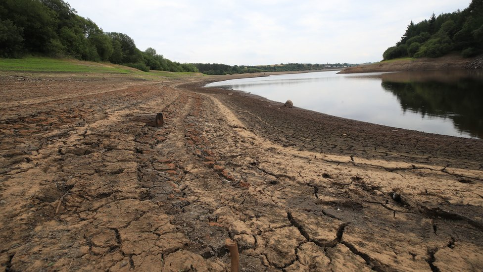 Climate change: Water shortages in England 'within 25 years'