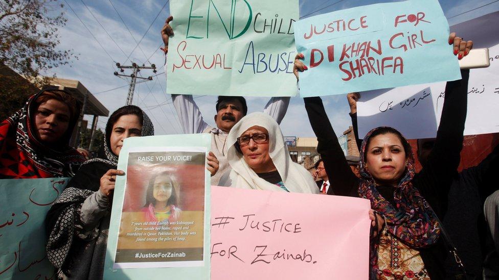 Manifestación en Kasur, Pakistán, contra el abuso sexual infantil.