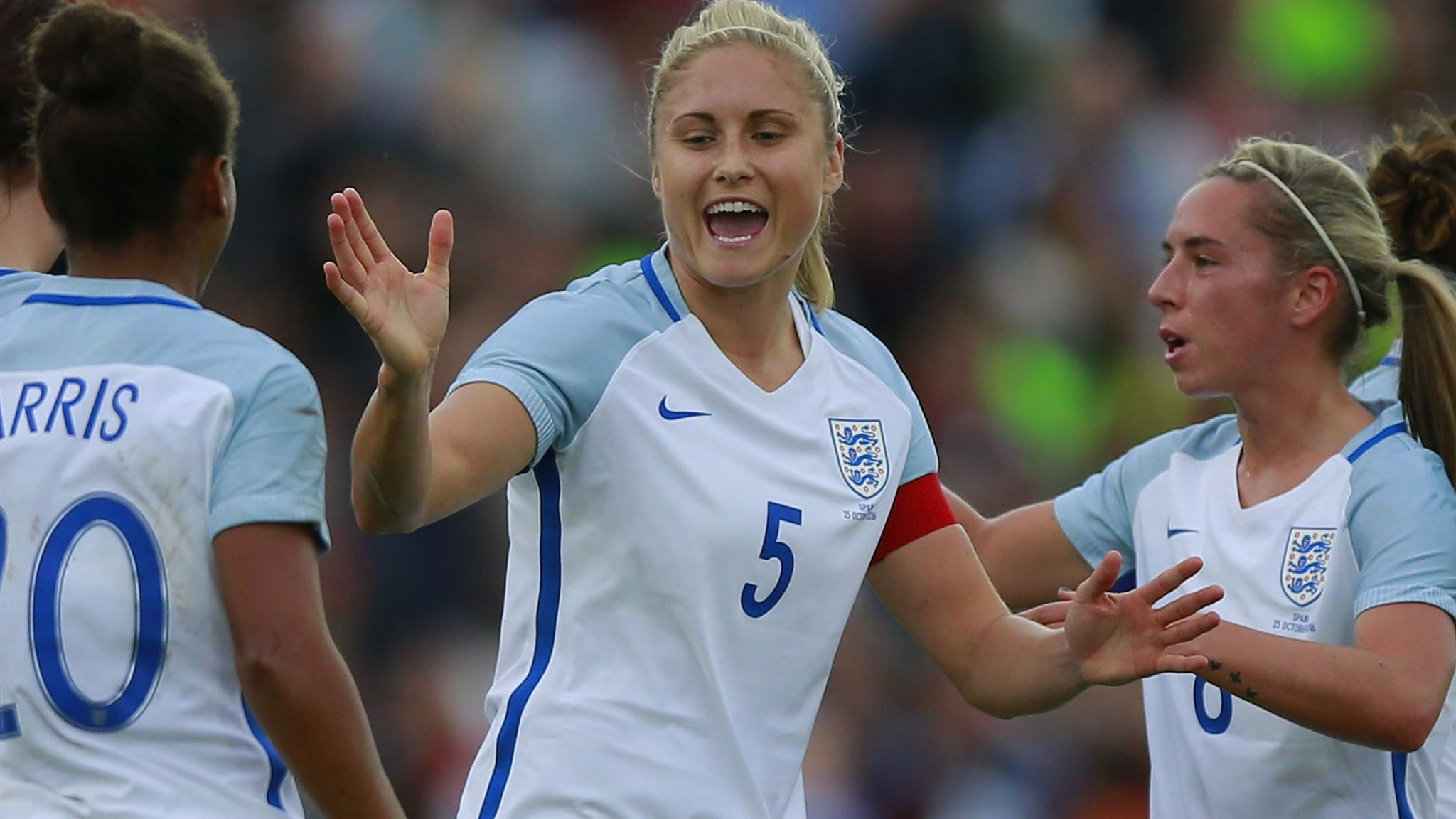 Carney & Houghton score as in-form England beat Spain