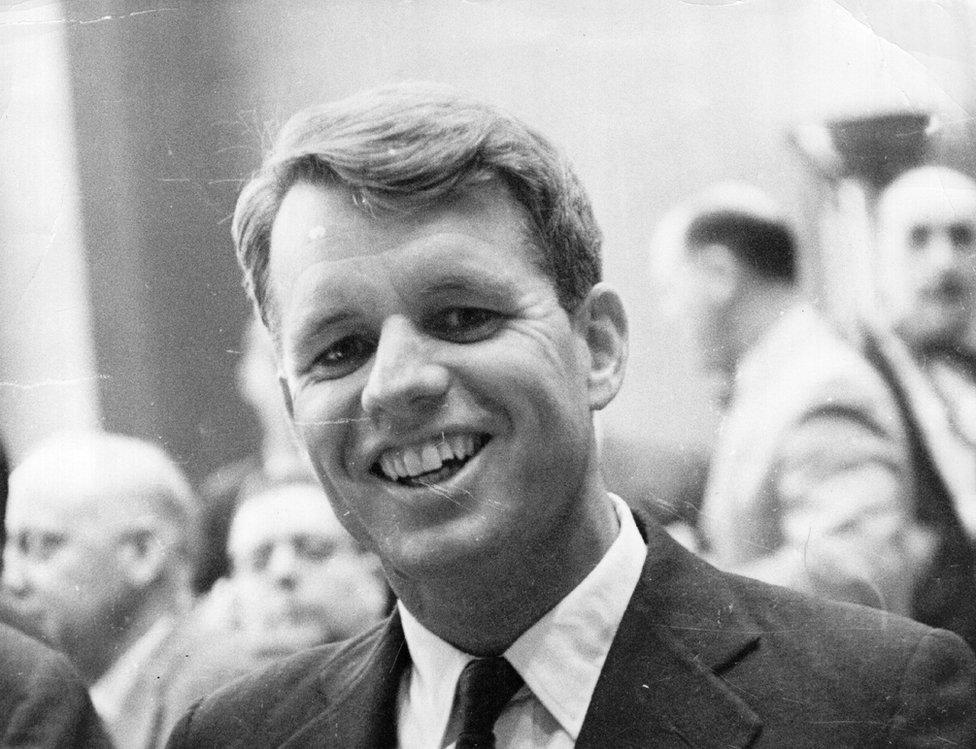 Senador Robert Kennedy