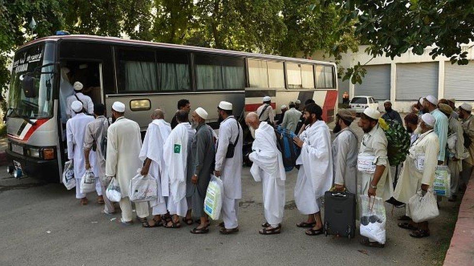 انډېپنډنټ: د ترهګرۍ له وېرې څو میاشتو کې لسګونه زره پاکستانيان له سعودي ویستل شوي
