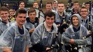 BBC - Newsbeat - The teenage bagpipers who are playing T in the Park