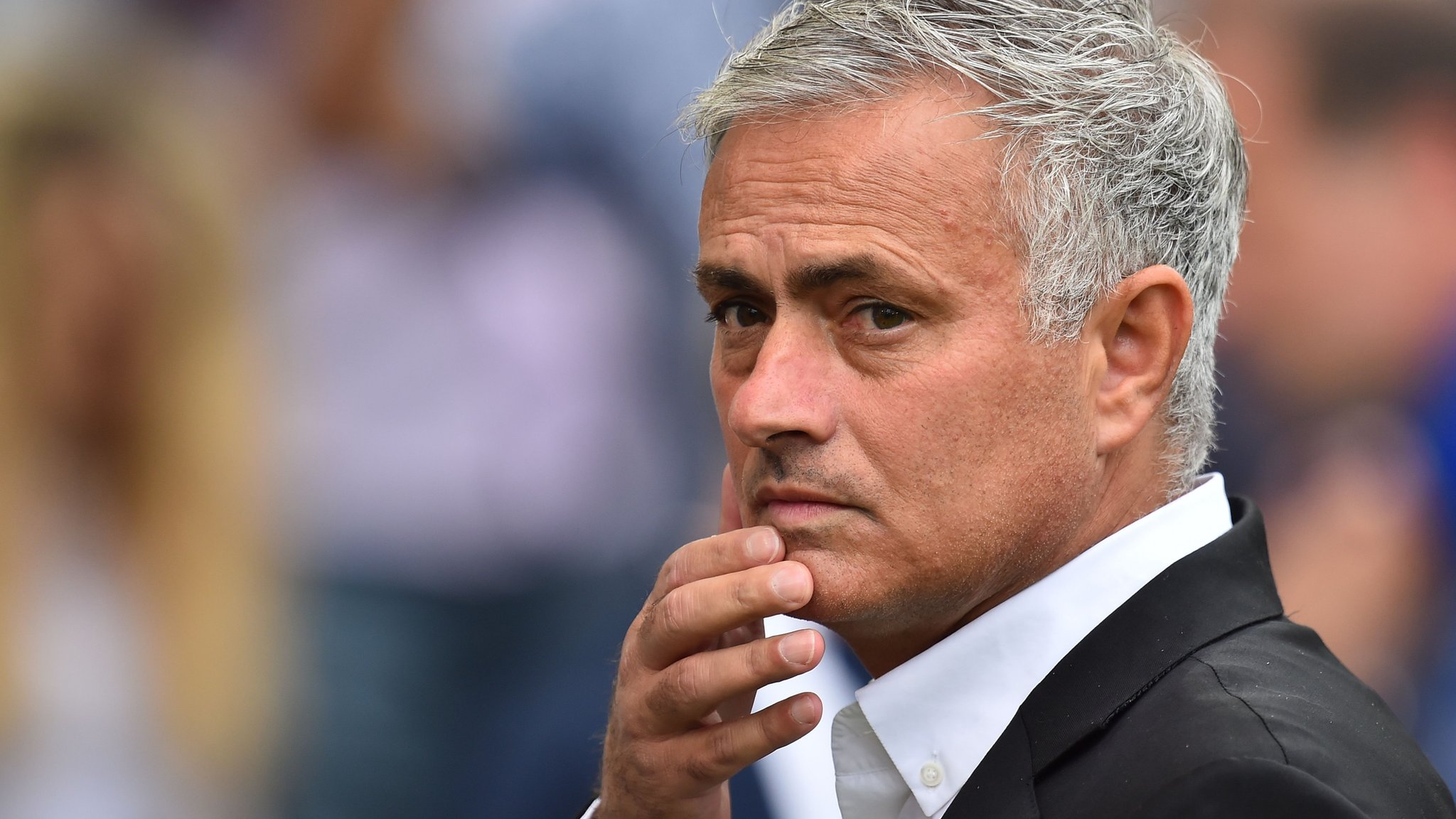 Man Utd back Mourinho and deny Zidane interest
