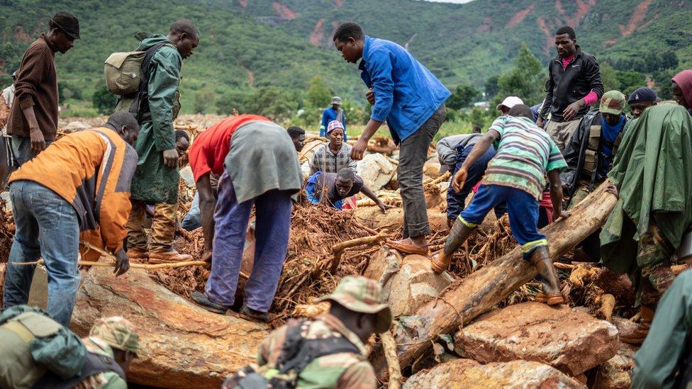 د موزمبیق توپان کې د سلګونه کسانو د وژل کېدو وېره
