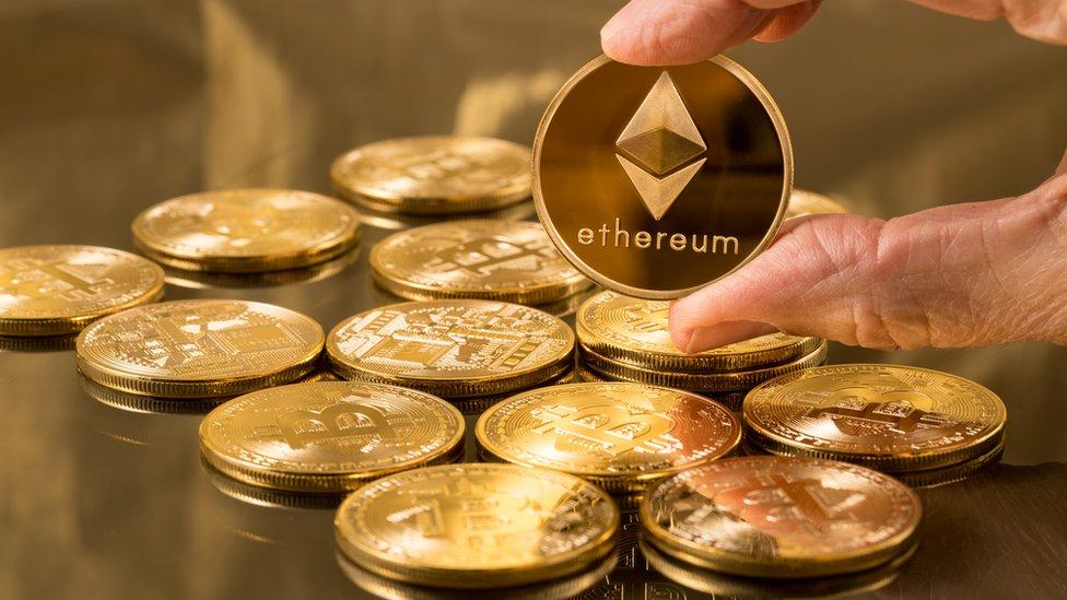 compra moeda virtual comércio forex em tempo integral