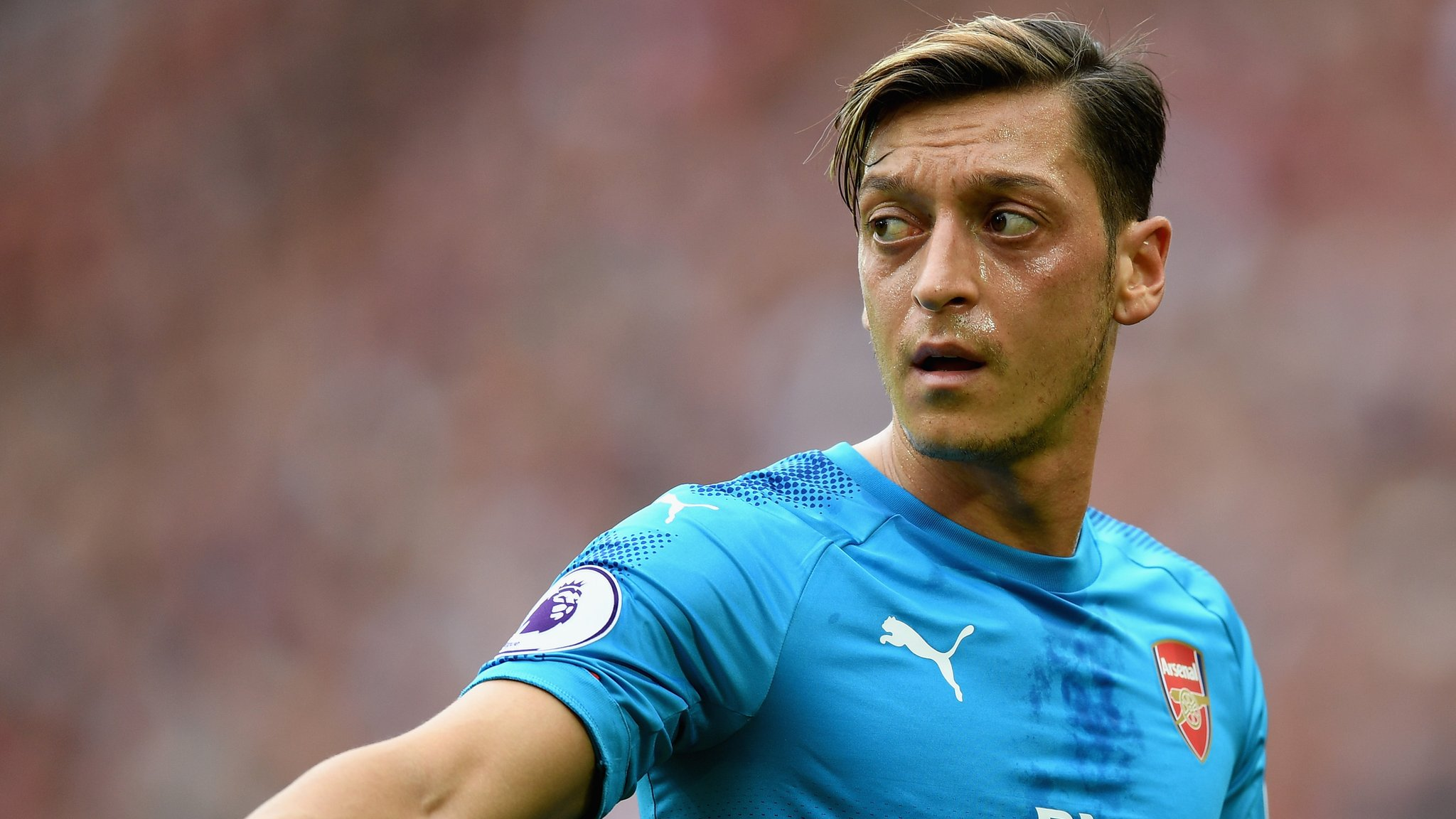 Ozil wants £330K a week from Barcelona - gossip