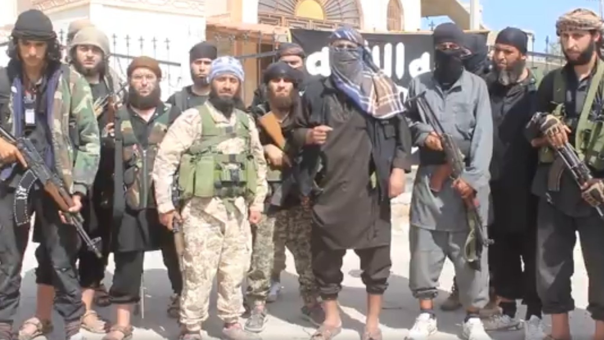 IS conflict: Up to 30,000 fighters in Syria and Iraq - UN