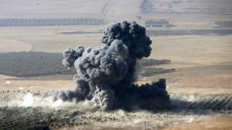 Mosul offensive: Kurdish forces launch attacks on IS in Bashiqa
