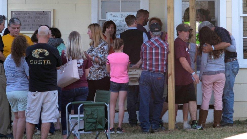 comunidad de Sotherland Springs tras el tiroteo sufrido en noviembre de 2017.