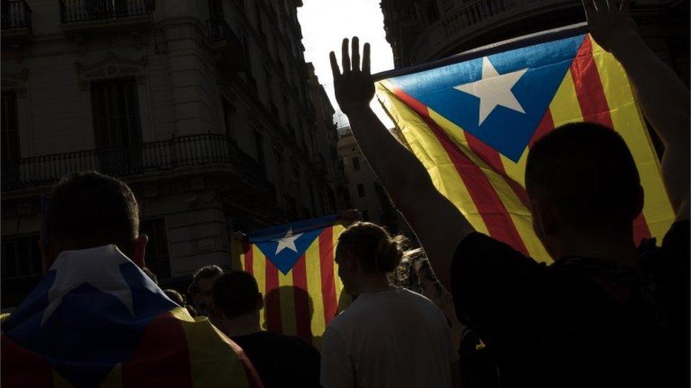 Huelga general de Cataluña por actuación policial durante consulta
