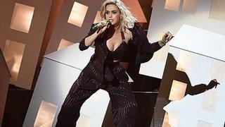 Did Katy Perry mock Trump at the Brits?