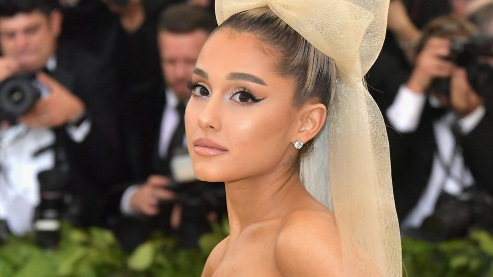 Ariana Grande breaks down talking about Manchester Arena attack