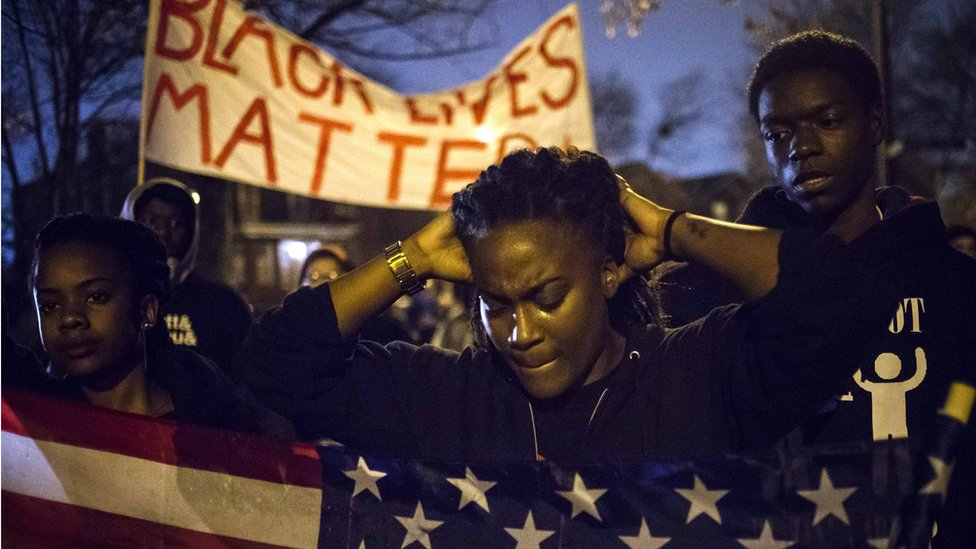 Whites and blacks in US 'disagree on racism'