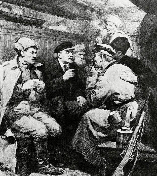 Así imaginó el artista Pyotr Vasilievich Vasiliev (1899-1975) el encierro en el tren sellado en el que viajó Lenin hacia Petrogado en abril de 1917.