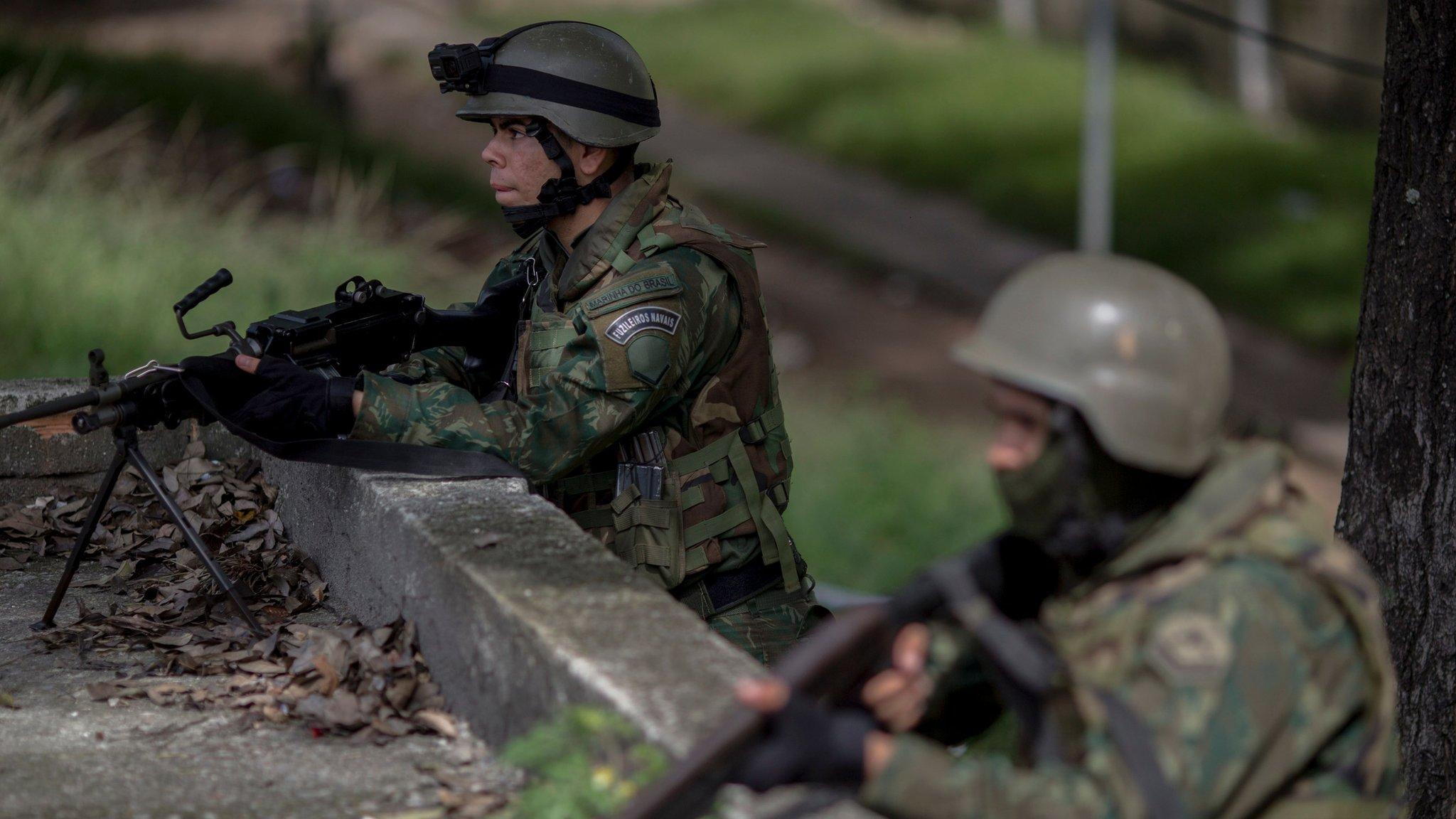 الجيش البرازيلي يتولى مهام حفظ الأمن في شوارع ريو دي جانيرو
