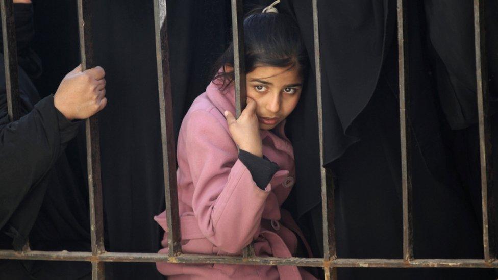 فتاة نازحة في سوريا