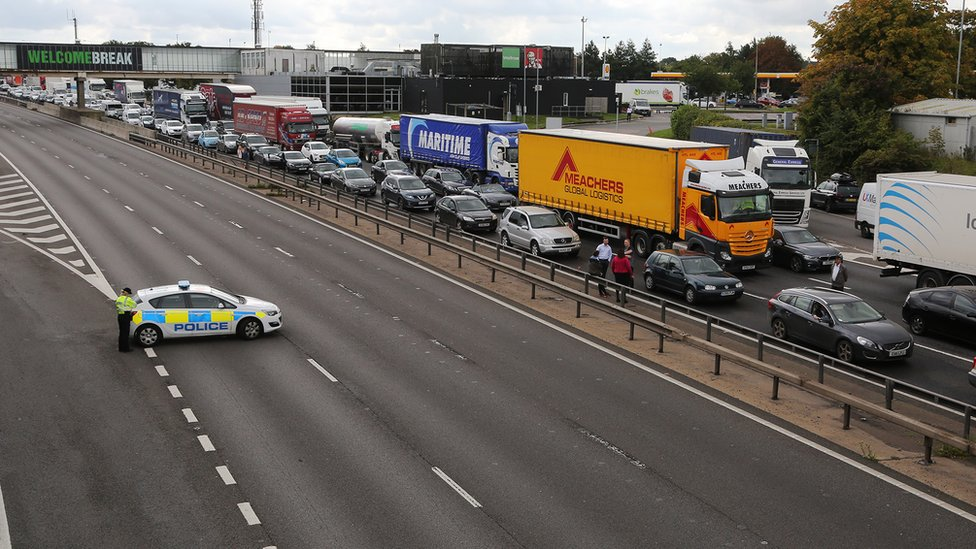 M1 closure object 'possibly hydrochloric acid'