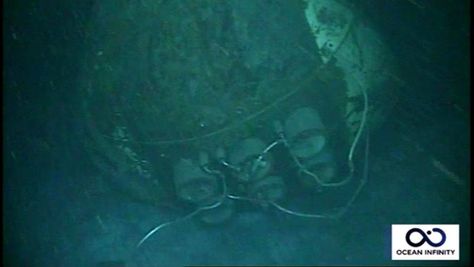 ARA San Juan: las primeras imágenes del submarino a 907 metros de profundidad