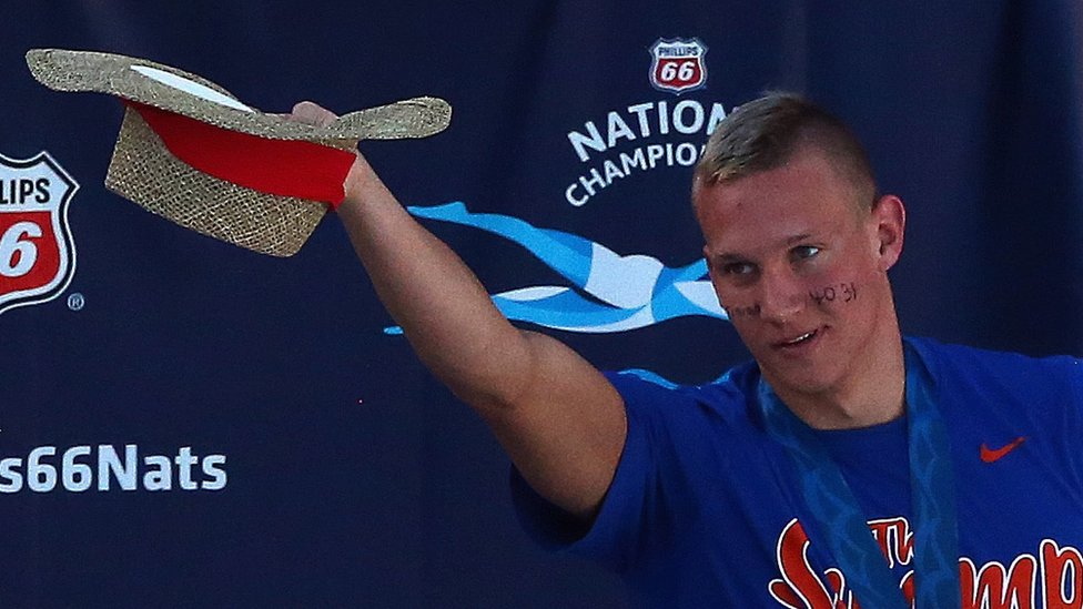 El mensaje de Dressel en su rostro durante los campeonatos nacionales de 2015.