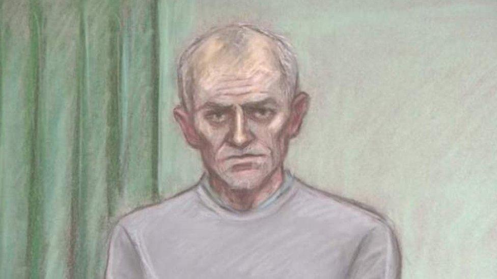 У Британії колишнього футбольного тренера визнали винним у педофілії