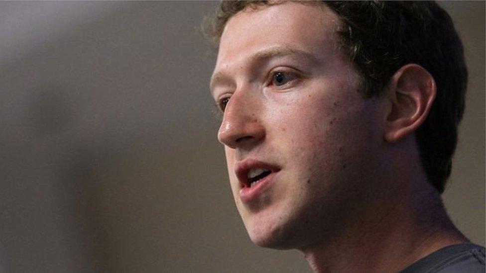 Zuckerberg bị QH Anh triệu đến vì vụ bảo mật dữ liệu