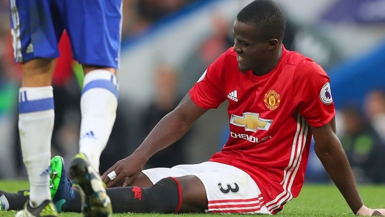 Eric Bailly: Manchester United defender suffers 'bad knee injury'