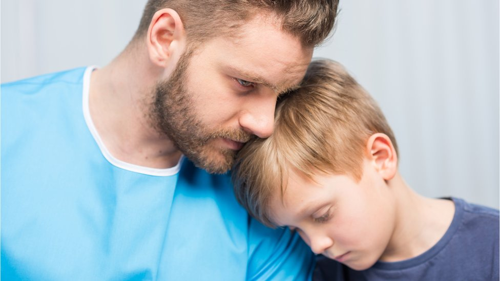 Depression link between fathers and teenage children, says study