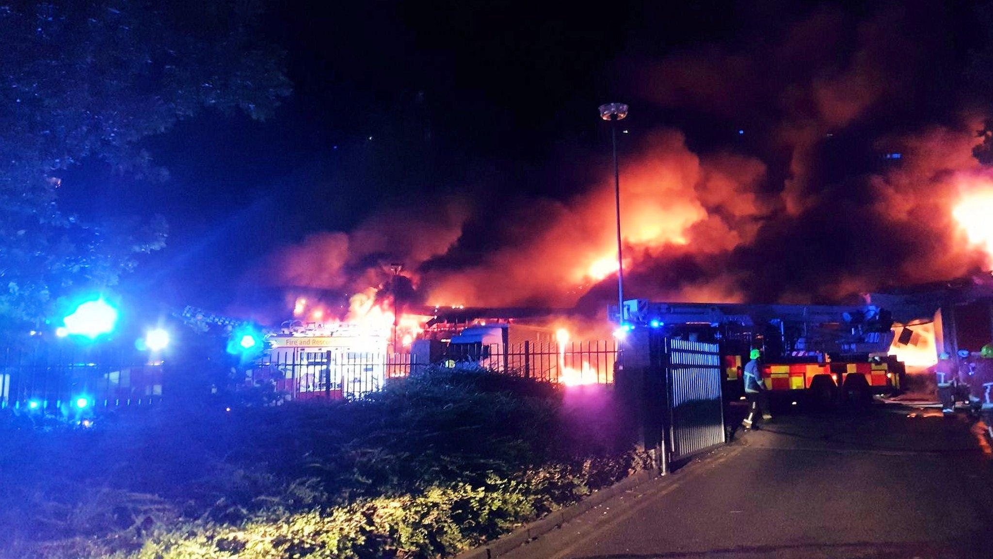 Essex fire: Flames engulf Basildon packaging warehouse