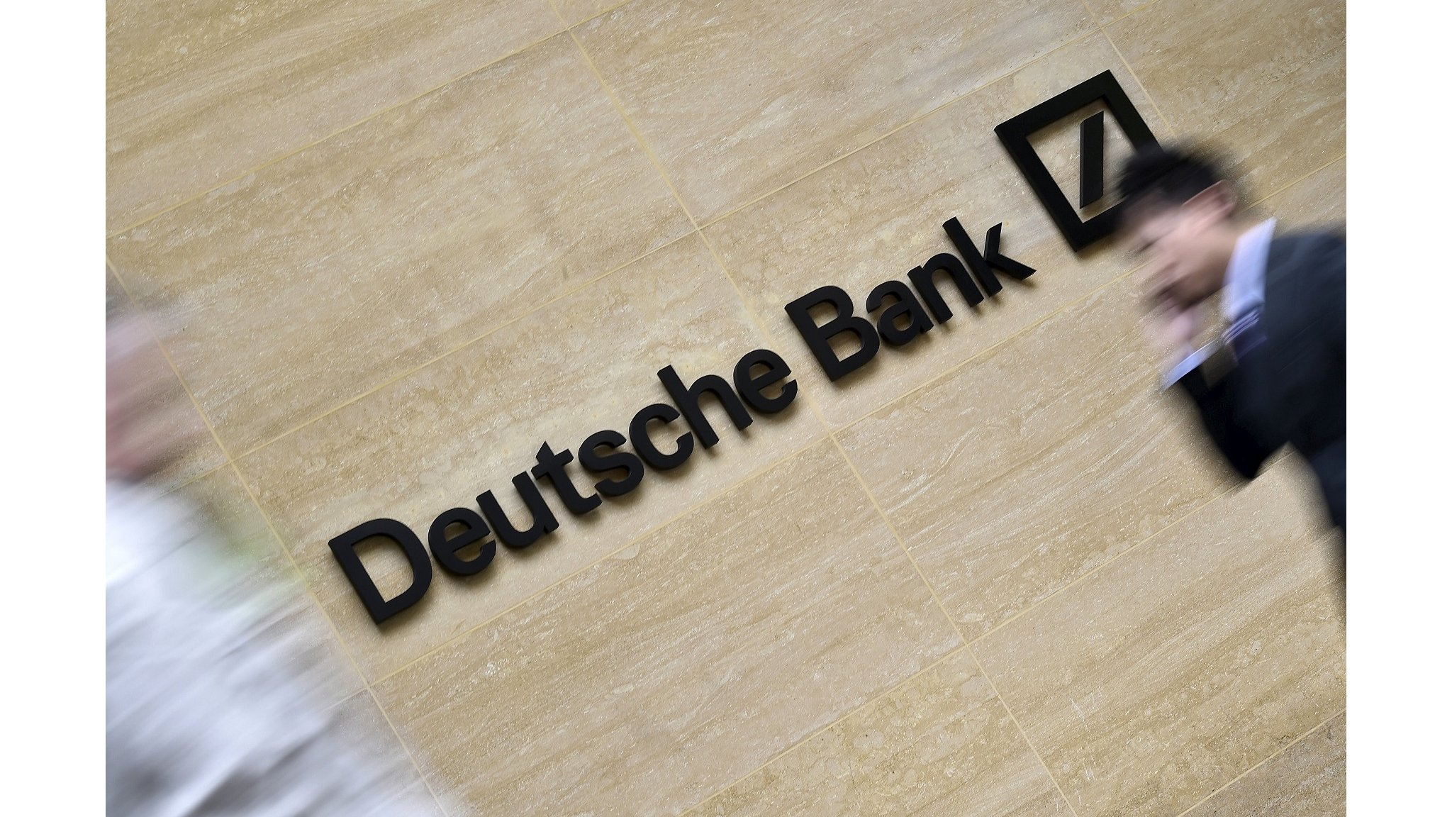 Deutsche Bank and Commerzbank in formal merger talks