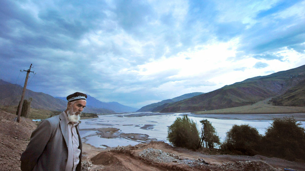 El río Garm cerca de Dushanbe, Tayikistán.