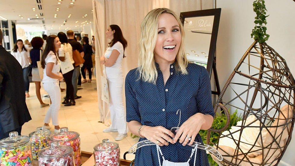 """Boston atrae también a """"influencers"""" y blogueras de moda como Jacey Duprie, que posa en esta instantánea durante un evento en las oficinas de Boston de Rue La La el verano pasado."""