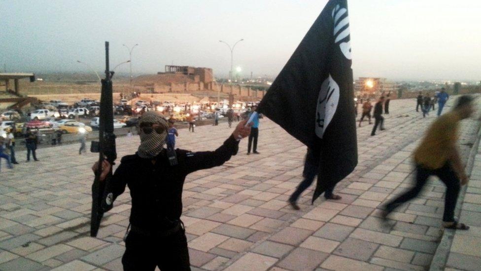 احد مسلحي تنظيم الدولة في العراق