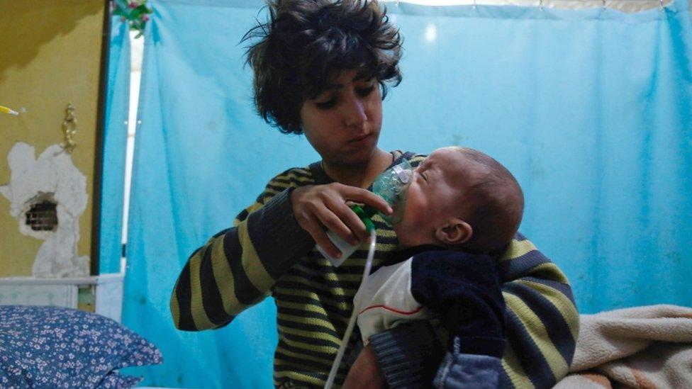 أدى استخدام غاز السارين إلى مقتل ألف شخص، من بينهم مئات الأطفال