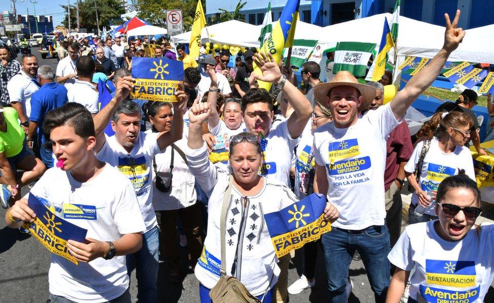 Simpatizantes del candidato a la presidencia Fabricio Alvarado, del Partido Restauración Nacional, en San José, Costa Rica, el 4 de febrero de 2018.