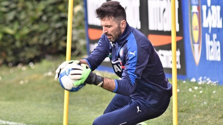 Italy keeper Buffon set for 1,000th appearance