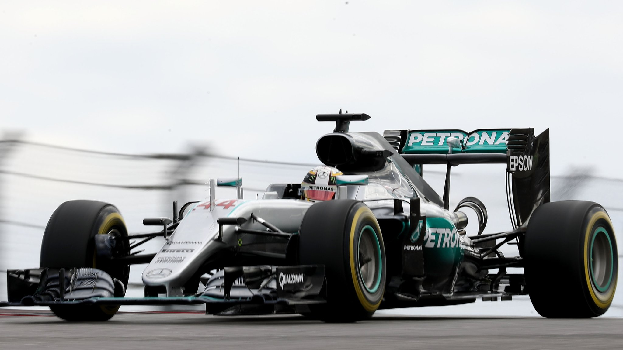 Hamilton beats Rosberg in Mexico GP practice