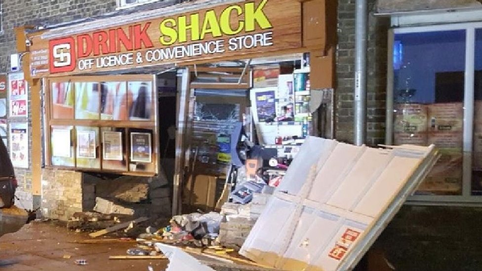 Whittlesey ram-raid: Would-be thieves wreck off licence