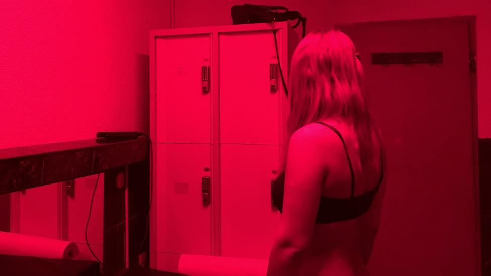 Por qué el negocio del sexo en Ámsterdam atraviesa momentos difíciles