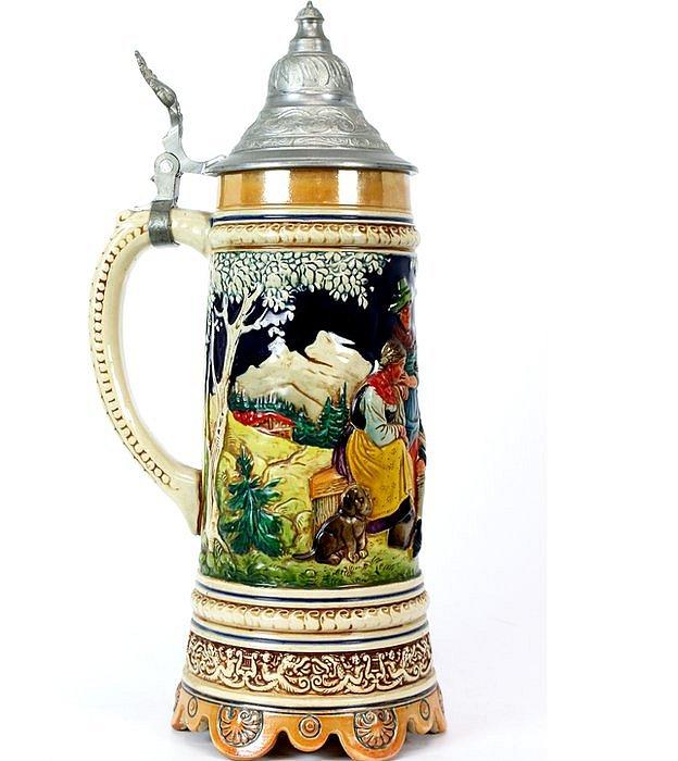 Tradicional jarra de cerveza alemana
