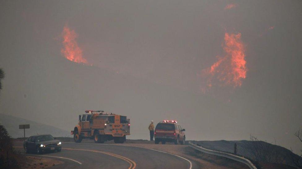 Incendio en el condado de Ventura, California
