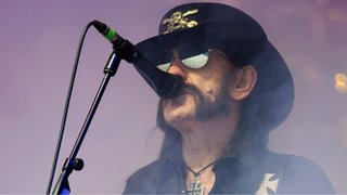 Download names stage in memory of Lemmy