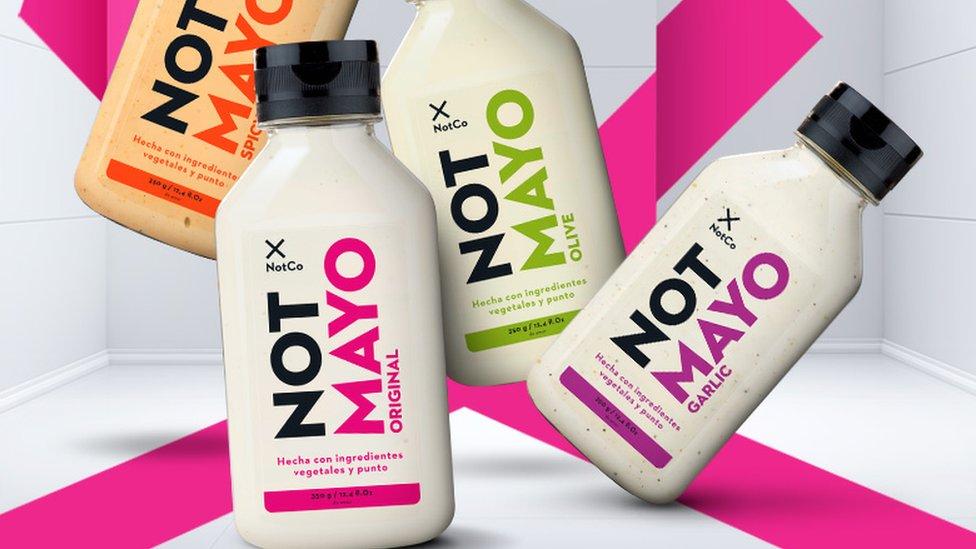 """NotCo, la empresa chilena que produce """"comida algorítmica"""" (y en la que  invirtió Jeff Bezos) - BBC News Mundo"""