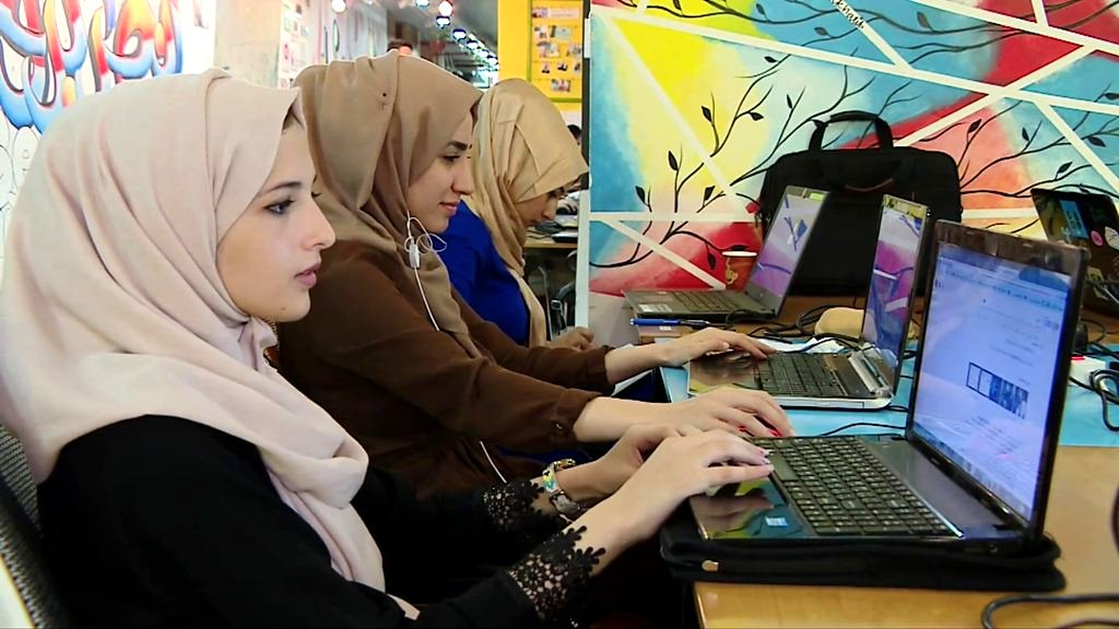 How coding is helping young Gazans find work