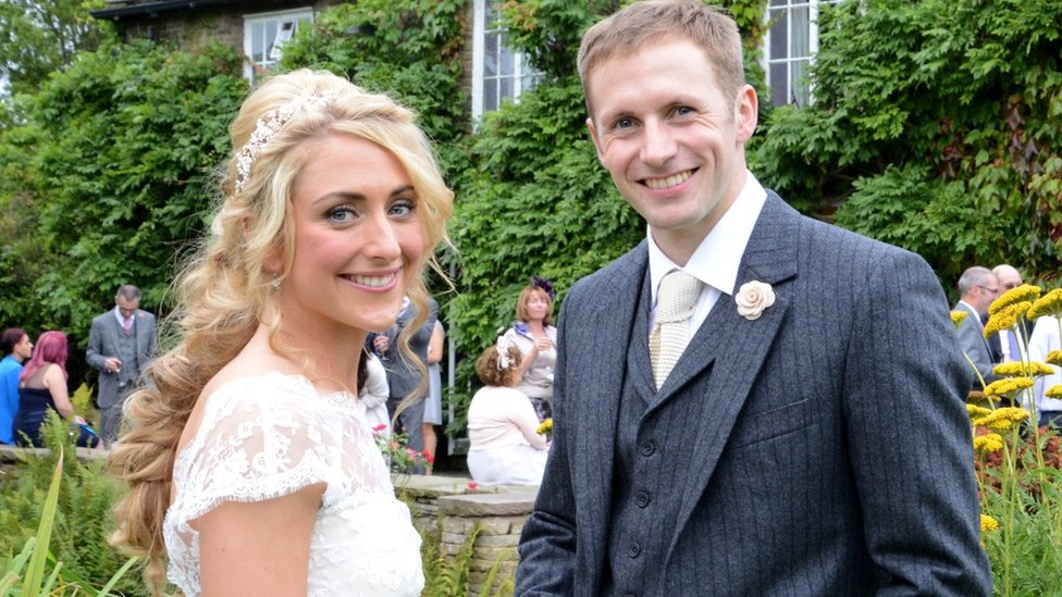 Cycling's Kenny and Trott marry in private