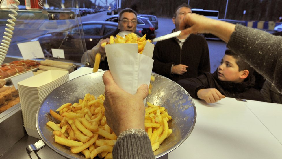 Belgian chips cut down to size by hot weather | BBC