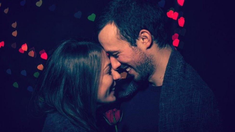 Любов і знайомства в епоху Tinder