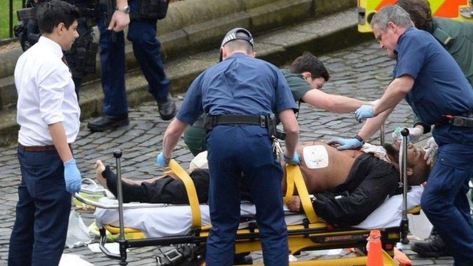 أطلقت الشرطة النار على مسعود في موقع الحادث